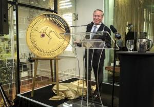 Premier of Western Australia Colin Barnett unveils the Kimberley Treasure coin.