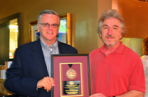 David Crenshaw (left) and ANA President Jeff Garrett (Photo by Joe Meyers)